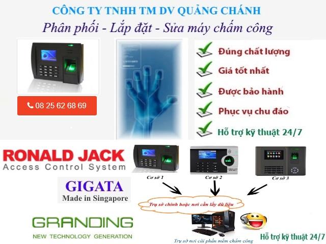MAY CHAM CONG VAN TAY CHINH HANG TAI KCN TAN BINH